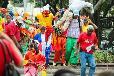 mia-simo-pezmapache-carnaval-2013-republica-dominicana-6900