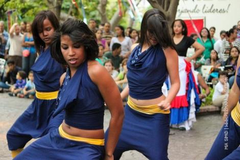 mia-simo-pezmapache-carnaval-2013-republica-dominicana-7258